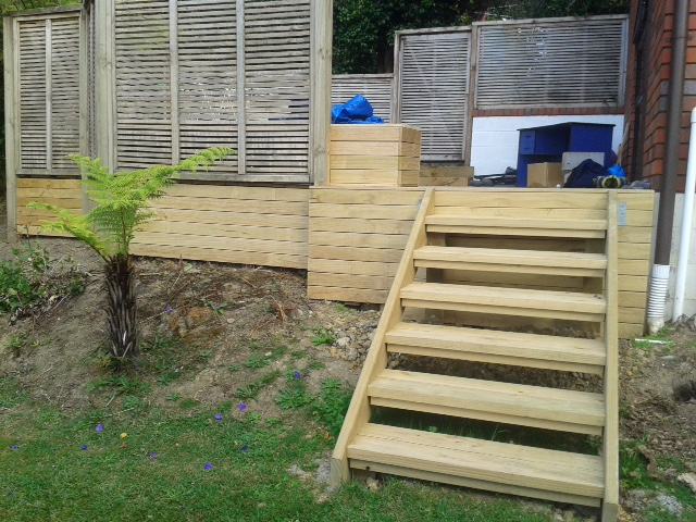 Photo gallery decks decking planter boxes and steps for Box steps deck